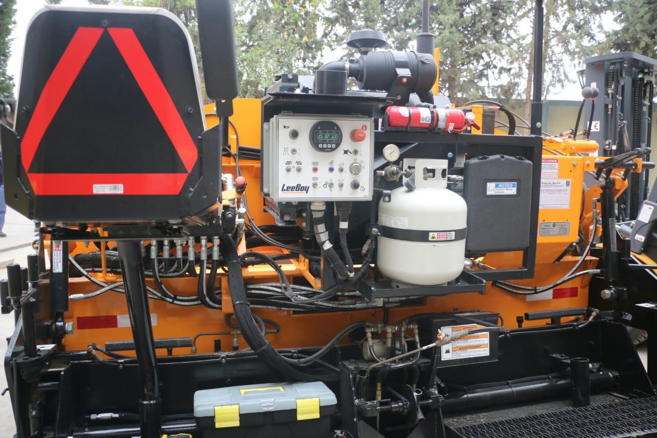 Luján de Cuyo adquirió una nueva terminadora de asfalto